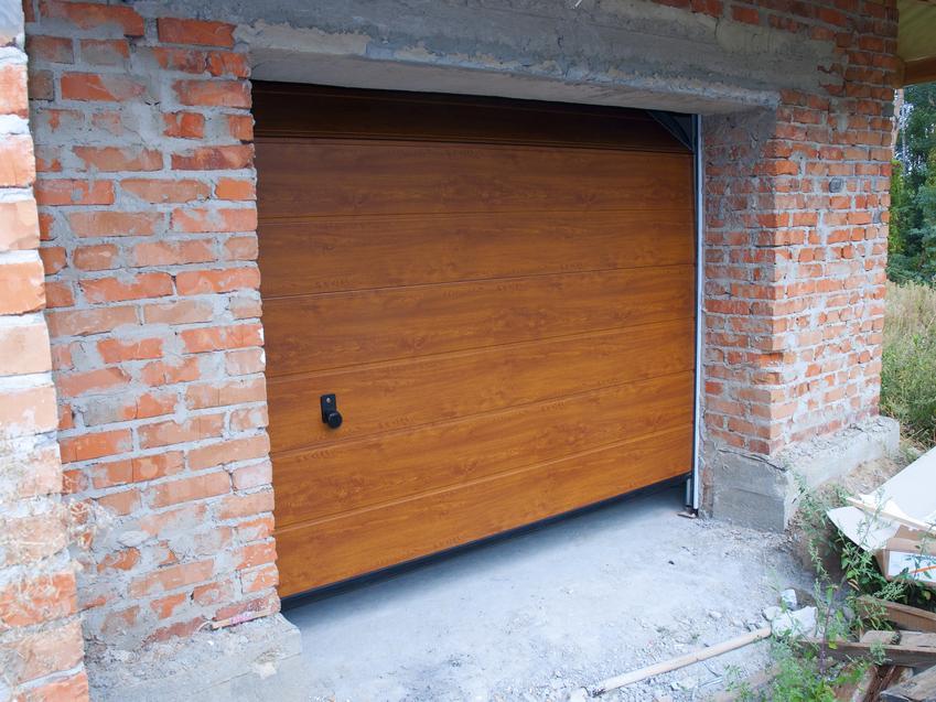 Brązowa brama garażowe, a także bramy wiśniowski i bramy garażowe wiśniowski