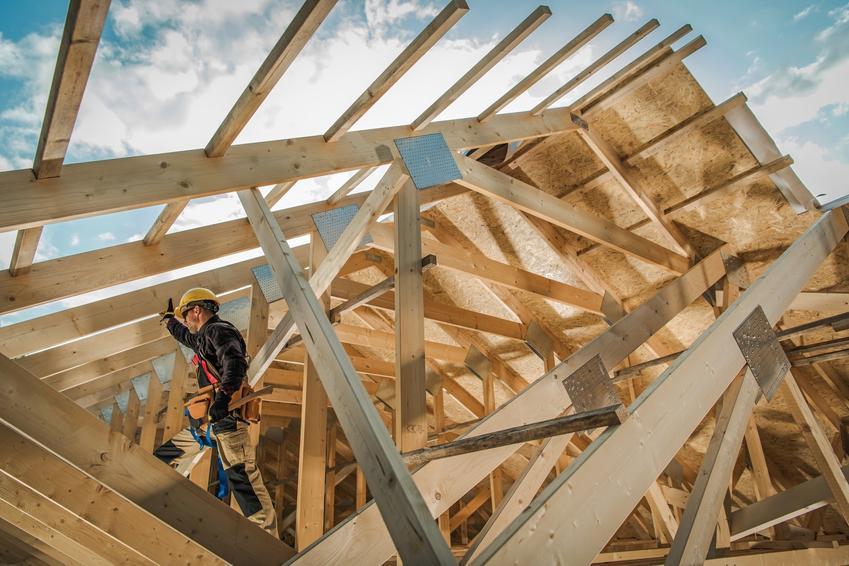 Budowa dachu domu, a także wiązary dachowe drewniane i ich cena