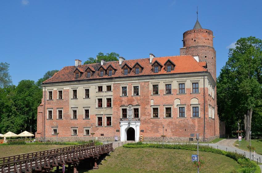 Zamek Uniejów  i inne ciekawe miejsca na weekend w Polsce