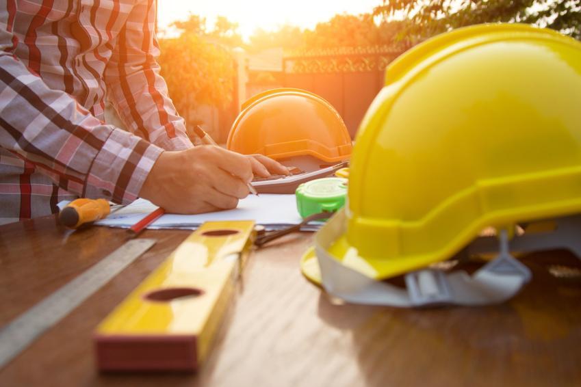 Atrybuty kierownika budowy, a także oświadczenie kierownika budowy o zakończeniu robót i wzór