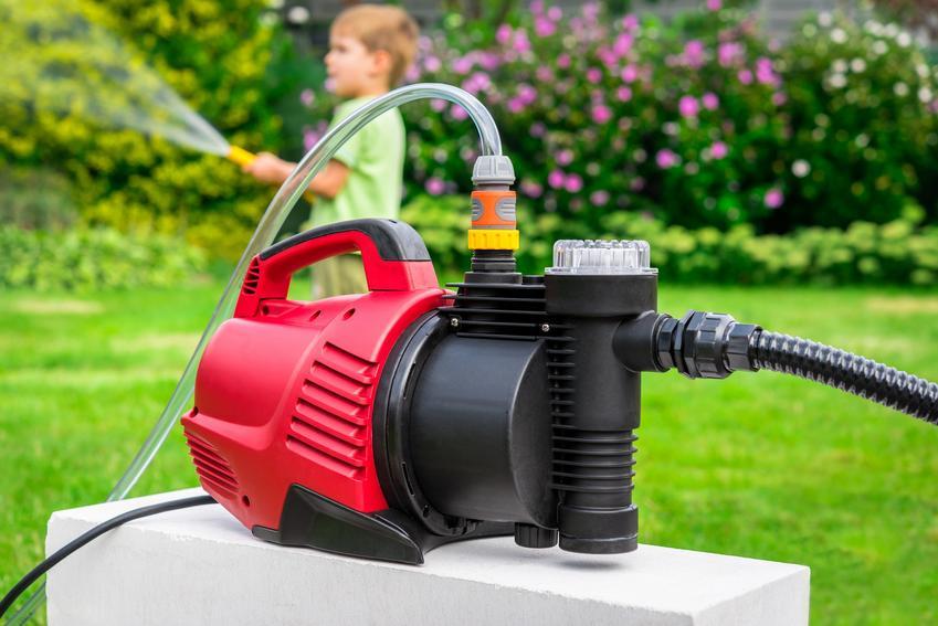 Pompa ogrodowa w ogrodzie elektryczna, a także pompy do wody i ceny