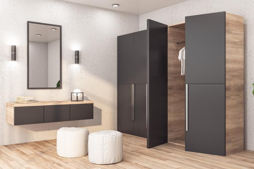Duża szafa, a także szafy na wymiar, szafy na zamówienie, szafa do zabudowy i cennik