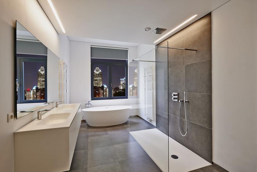Pięknie urządzona nowoczesna łazienka, a także niski brodzik prysznicowy i jak zamontować