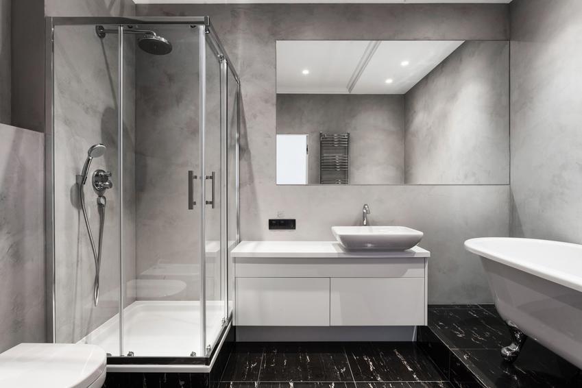 Piękna i nowoczesna aranżacja łazienki, a także porady, jak zamontować niski brodzik prysznicowy