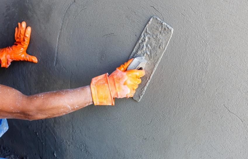 Tykowanie ścian w domu, a także zaprawa tynkarska, zewnętrzna zaprawa tynkarska i inne rodzaje