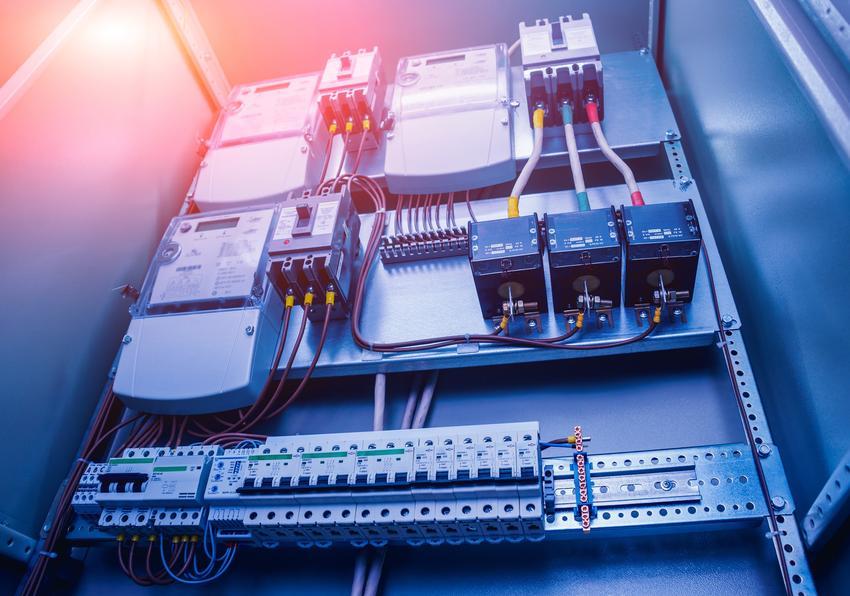Instalacja elektryczna w skrzynce, a także moc przyłączeniowa dla domu jednorodzinnego, obliczanie mocy przyłączeniowej