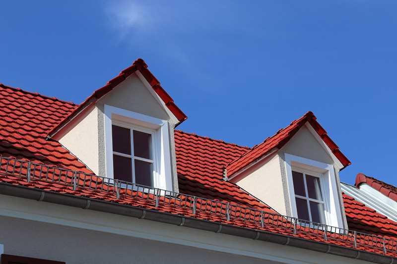 Lukarna dachowa - praktyczne i fynkcjonalne rozwiązania, projekt poddasza z lukarnami, ceny, budow - porady