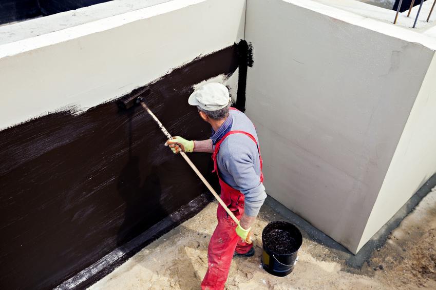 Izolacja fundamentów podczas budowy, a także dysperbit wodny, zastosowanie dysperbitu i cena