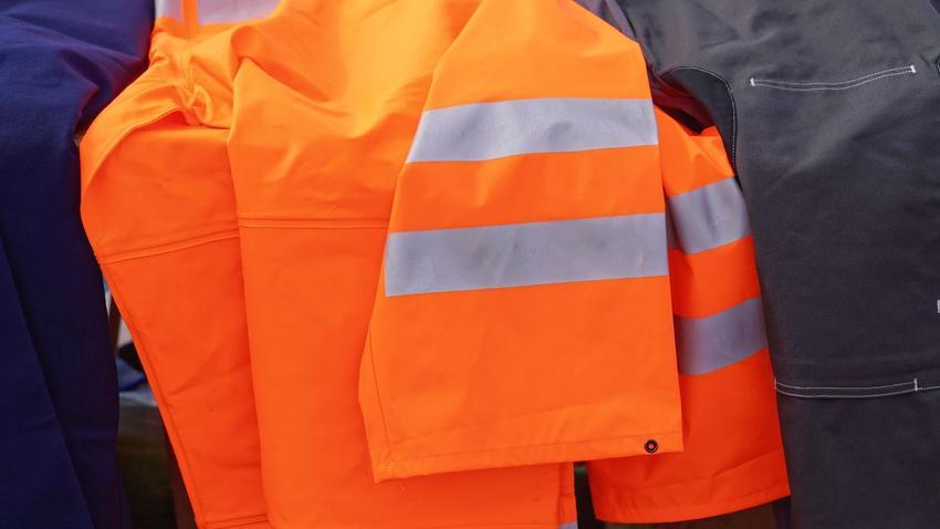 Ubrania ochronne – zapewnij swoim pracownikom najlepszą jakość