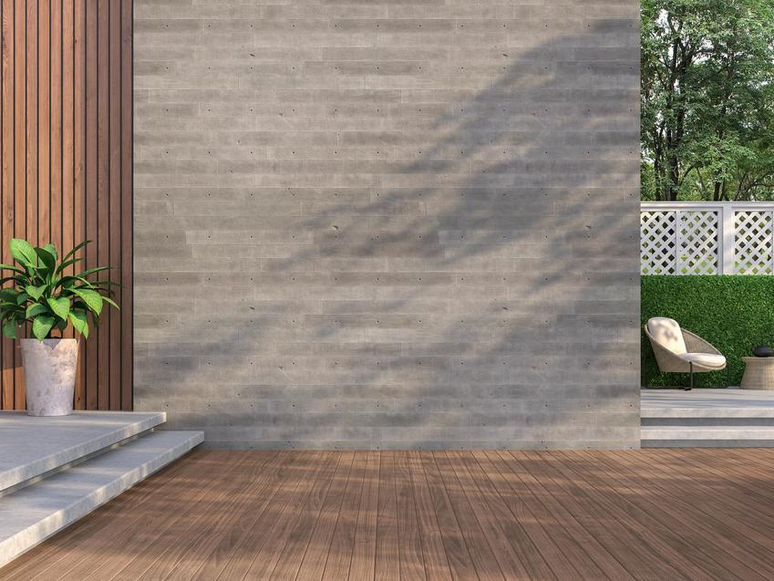 Przestronny taras z podłogą drewnopodobną, a także betonowe deski tarasowe i cena