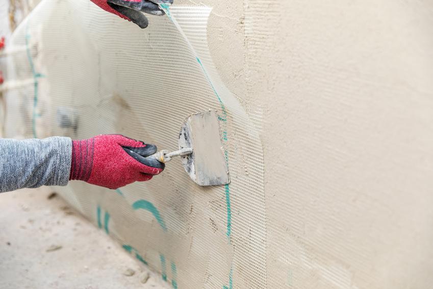 Wyrównywanie ściany pod płytki, a także zaprawa wyrównująca pod płytki i cena