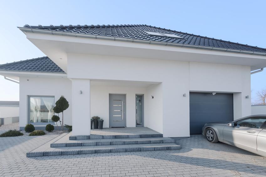 Dom jednorodzinny, a także schody z kostki brukowej lub schody z kostki granitowej i ich cena