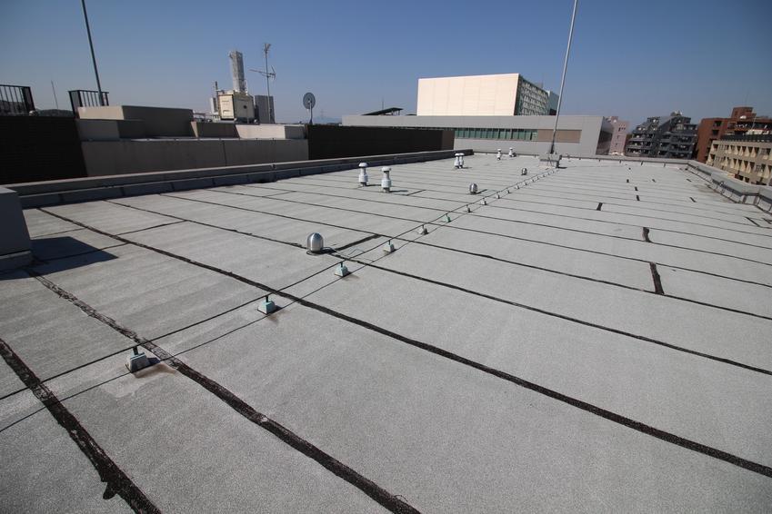 Dach z papą, a także lepik na zimno, lepik bitumiczny do papy, opinie