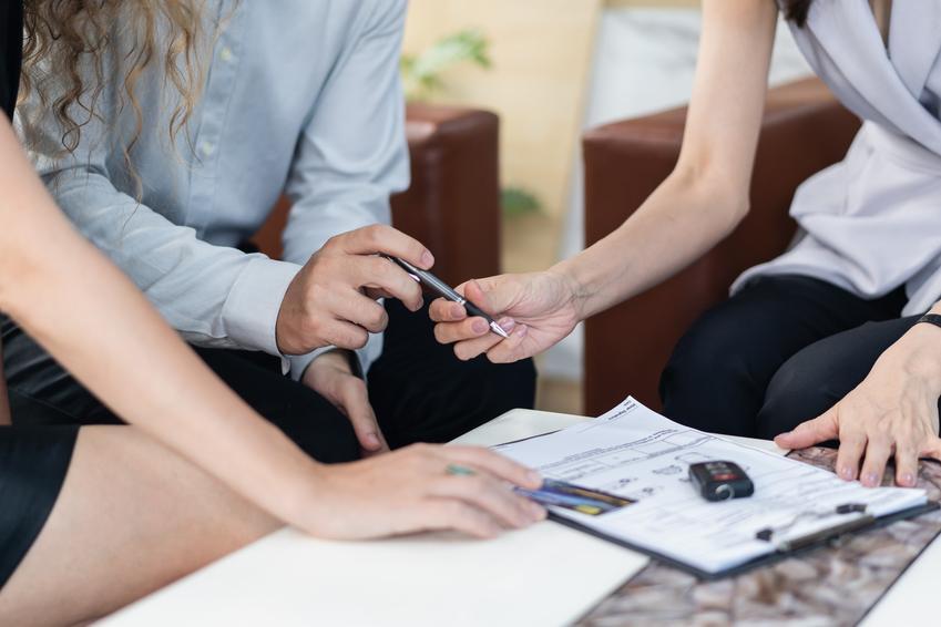 Umowa i przekazanie kluczyków, a także umowa darowizny samochodu, wzór, akt darowizny samochodu