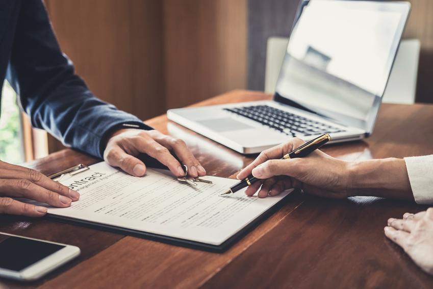 Podpisywanie umowy, a także wypowiedzenie umowy najmu mieszkania, wzór i porady