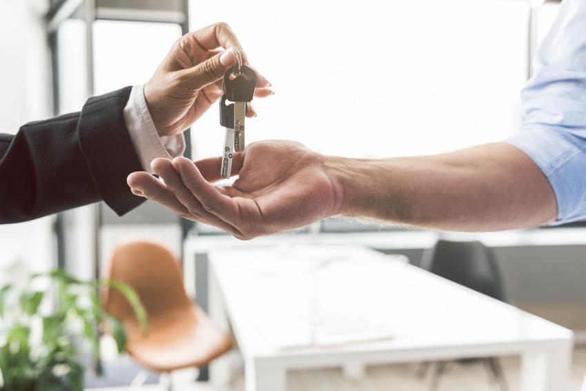 Przekazanie kluczy nad umową, a także umowa najmu okazjonalnego mieszkania, wzór i porady