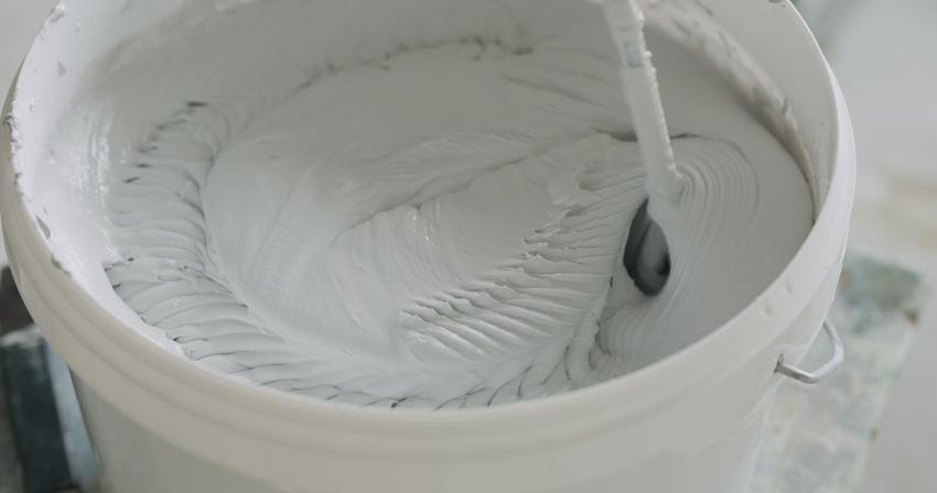 Zaprawa gipsowa mieszana w wiadrze, a także jaki jest czas trawania i twardnienie zaprawy gipsowej