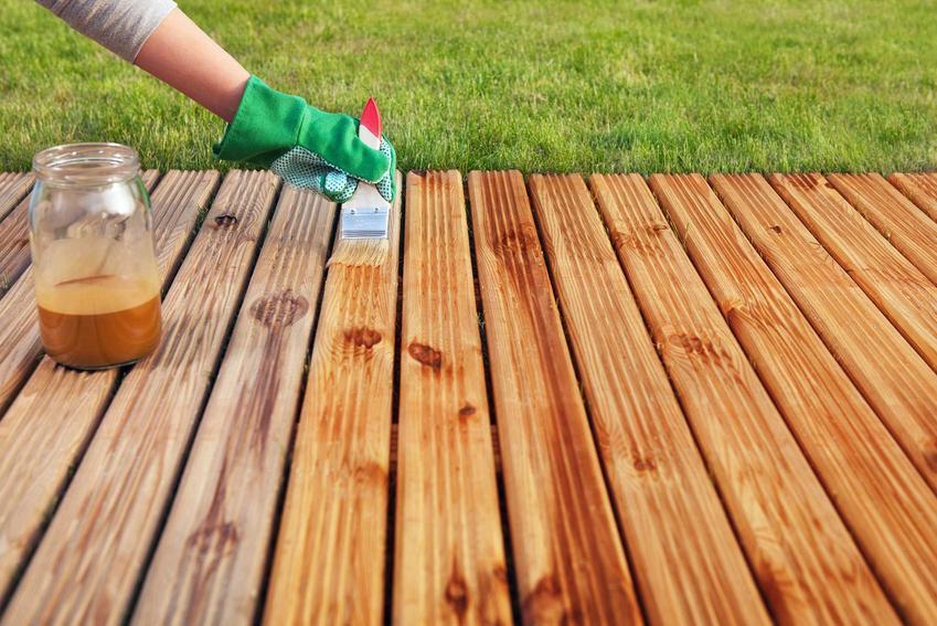 Impregnacja drewna na taras krok po kroku, czyli zastosowanie najlepszych preparatów, środków, metody i sposoby