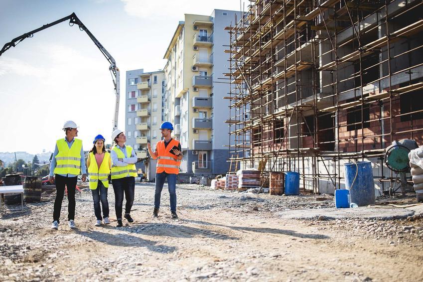 Budownictwo przemysłowe kubaturowe i mężczyźni na budowie bloków wielorodzinnych, a także wykonawcy, najważniejsze infrmacje oraz porady