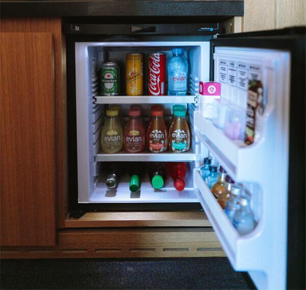 Jaka powinna być temperatura w lodówce i zamrażarce? Dodatkowo podpowiemy jak ją sprawdzić!