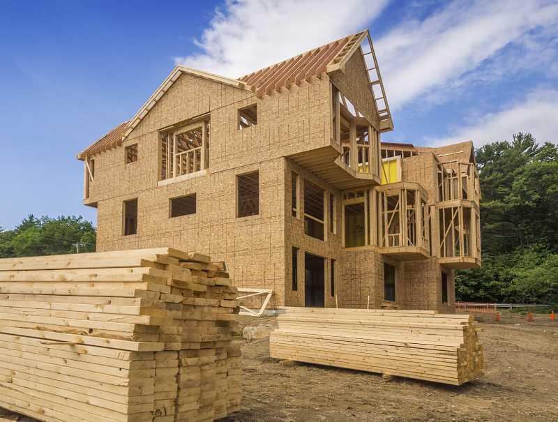 Dom z drewna w trakcie budowy, a także ceny, opinie, wady, zalety, projekty, najlepsze rozwiązania domów drewnianych