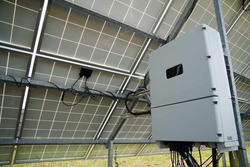 Akumulator do magazynowania energii pod panelami fotowoltaicznymi, a także inne sposoby magazynowania energii, ceny i opłaclaność