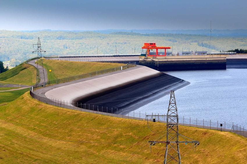 Elektrownia wodna, a także informacje o energetyce odnawialnej krok po kroku, czyli zarządzanie, opinie oraz informacje