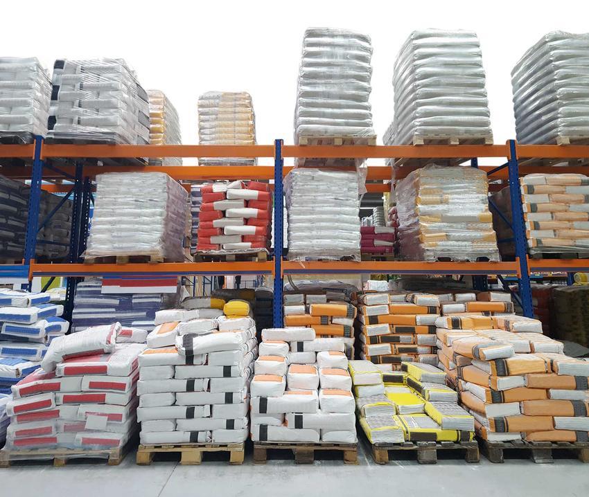 Materiały budowalne w składzie przy sklepie budowalnym, a także ranking marketów budowlanych, ceny i producenci