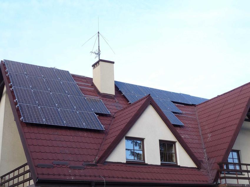 Instalacja fotowoltaiczna na dachu domu jednorodzinnego, a także opomiarowanie netto energii elektrycznej krok po kroku