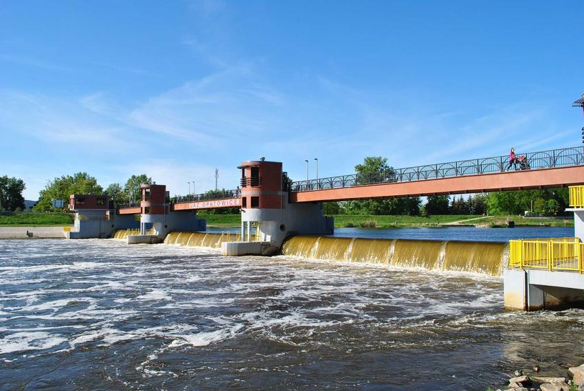 Elektrownia wodna w Polsce, a także energia wodna, informacje, wady i zalety oraz opłacalność i opinie