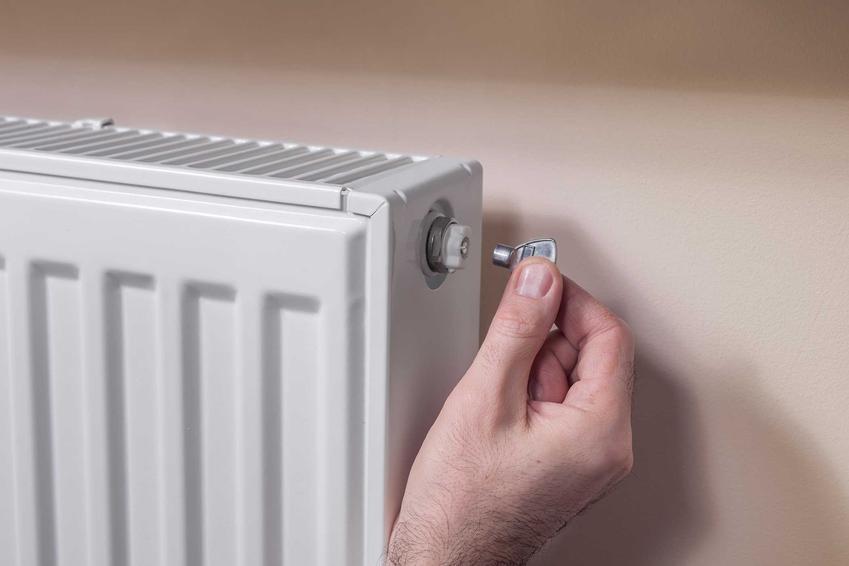 Odpowietrzanie grzejnika po zimie, a także jak odpowietrzyć grzejnik w domu samodzielnie krok po kroku