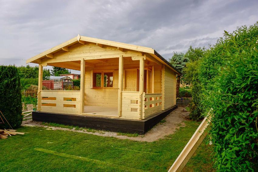 Mały drewniany domek letniskowy, a także najlepsze projekty domków letniskowych z drewna krok po kroku