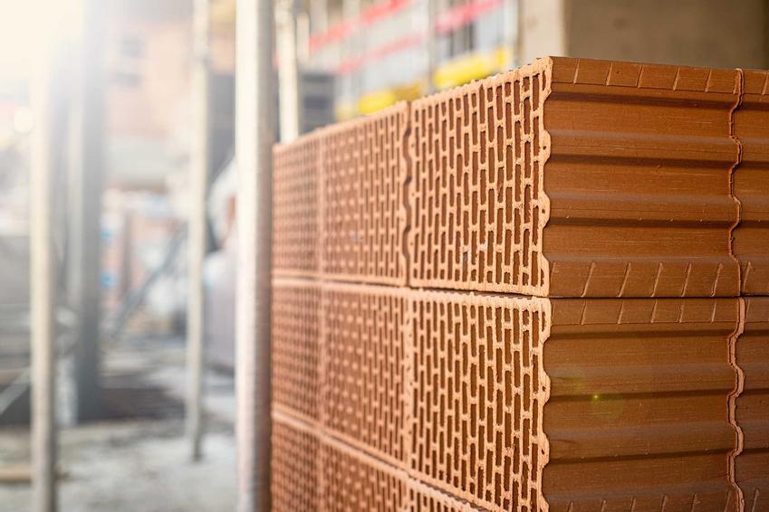 Czerwone pustaki ceramiczne, a także TOP 4 najlepszych i najczęściej wykorzystywanych na budowie pustaków