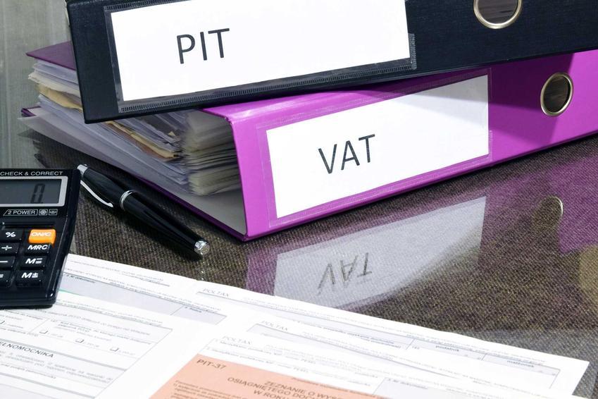 Segregatory z informacjami o podatkach PIT i VAT oraz informacje o odsetkach podatkowych i odsetkach ustawowych i kalkulator odsetkowy krok po kroku
