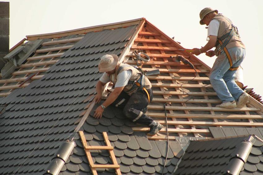 Budowa dachu jest dość drogim elementem budowy domu. Koszt budowy dachu może być różny w zależności od tego, czy jest to budynek parterowy czy z poddaszem