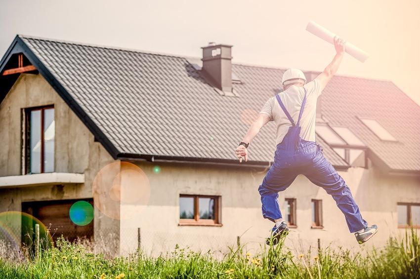 Jedno jest pewne – wentylacja w naszych domach musi się znajdować. To od niej zależy nie tylko nasze dobre samopoczucie, ale często również zdrowie oraz dobry stan naszego domu lub mieszkania.