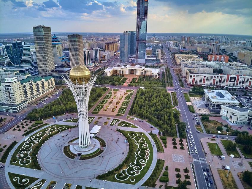 Panorama miasta Nur Sultan, a także inne miasta i stolice zaprojektowane od zera krok po kroku