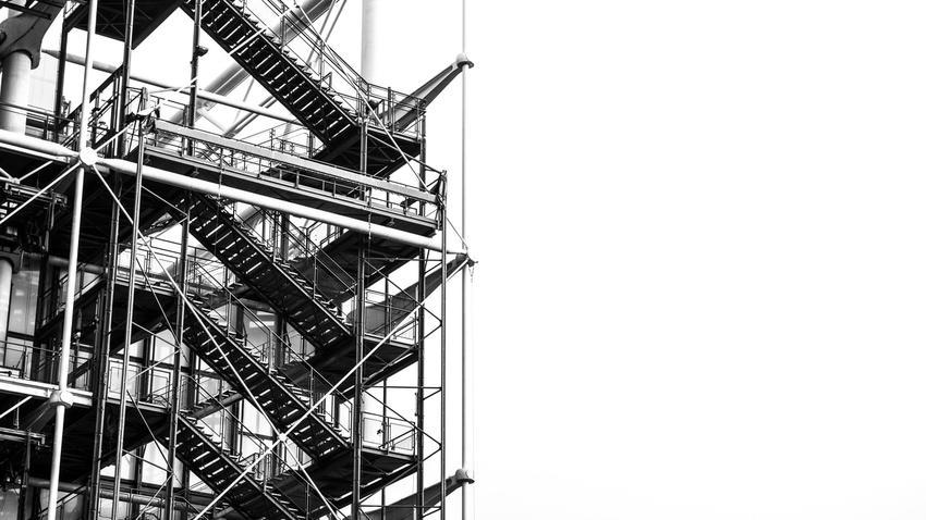 Rury stalowe w branży budowlanej – w jakich dziedzinach znajdują zastosowanie?