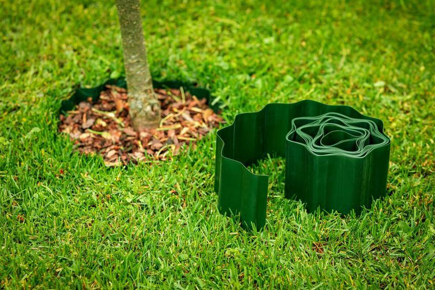 Plastikowe, zielone obrzeże trawnikowe, a także obrzeża trawnikowe do ogrodu, rodzaje, monraż, cena oraz porady