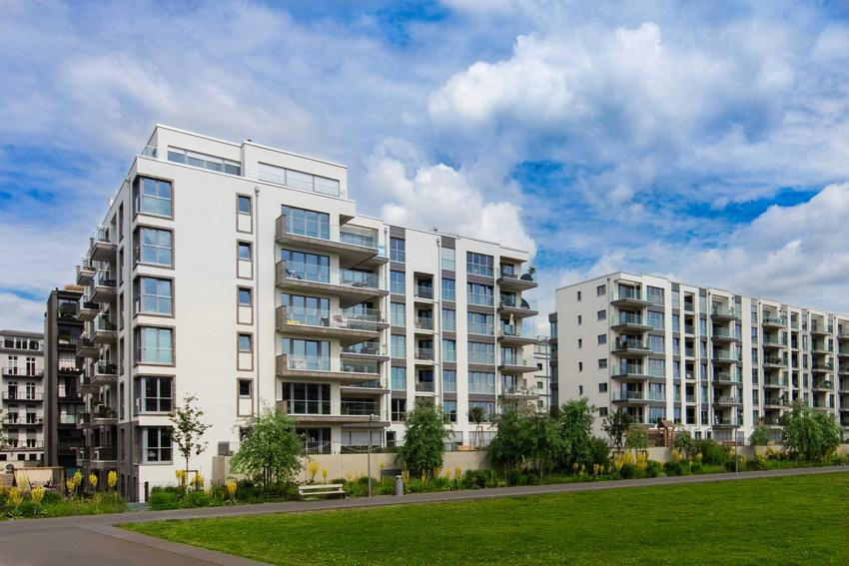 Bloki na nowym osiedlu, na którym jest użytkowanie wieczyste, a także zasady, przepisy, opłaty, użytkowanie oraz porady