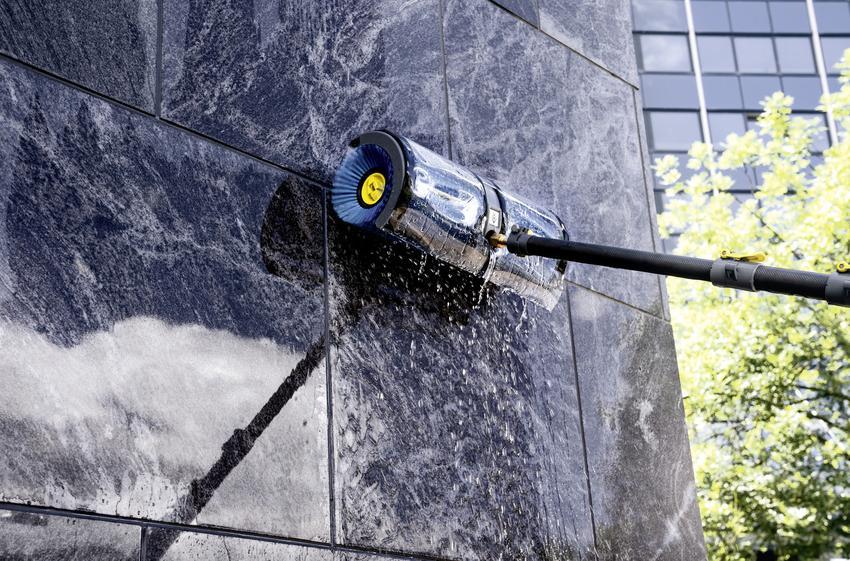 Profesjonalne mycie elewacji – czym i jak czyścić budynki?