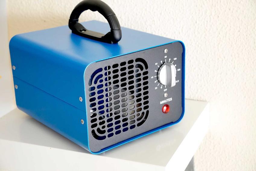 Niebieski ozonator powietrza przenośny, a także ceny ozonatorów powietrza i koszt oraz cennik różnych ozonatorów