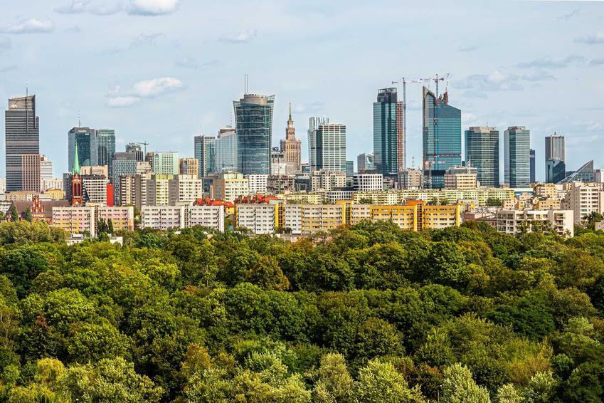 Panorama Warszawy od strony Ochoty, a także cennik największych atrakcji turystycznych w Warszawie, ceny biletów i wejściówek