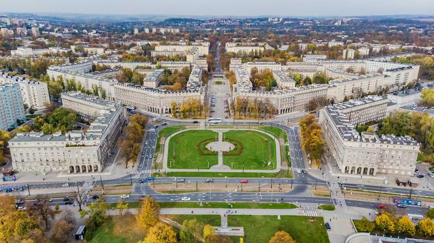 Widok na Nową Hutę z lotu ptaka, a także cennik innych atrakcji turystycznych, które znajdują się w Krakowie
