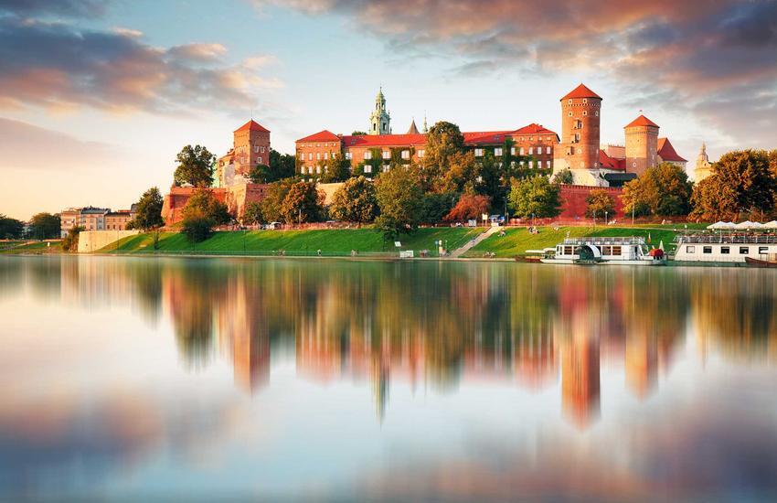 Widok na Zamek na Wawelu, a także cennik innych atrakcji turystycznych w Krakowie, ceny biletów i wejściówek
