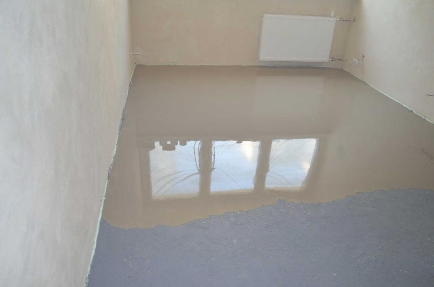 Grunt sczepny zastosowany pod wylewkę podłogi w pokoju, a także inne rodzaje gruntów, producenci oraz zastosowanie