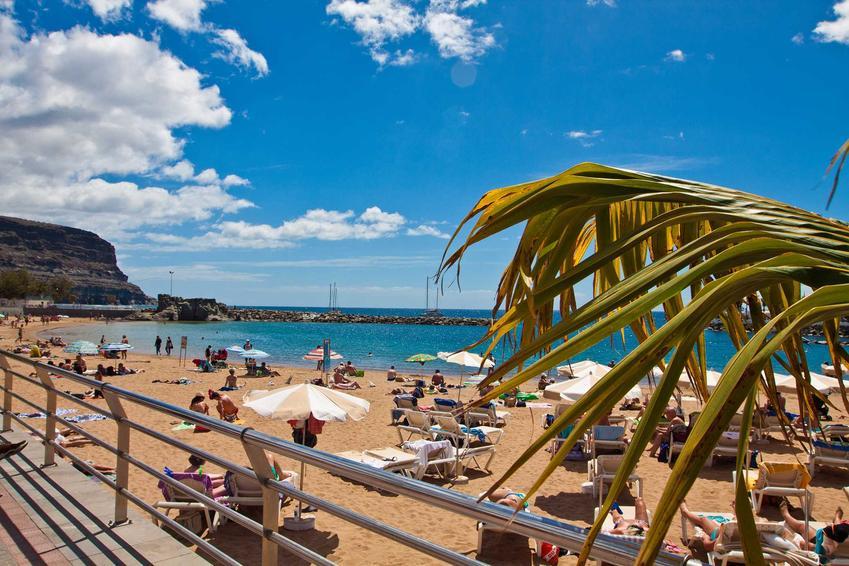 Plaża w Hiszpanii, a także ceny wakacji w Hiszpanii w 2021 roku, czyli ile kosztują wakacje krok po kroku