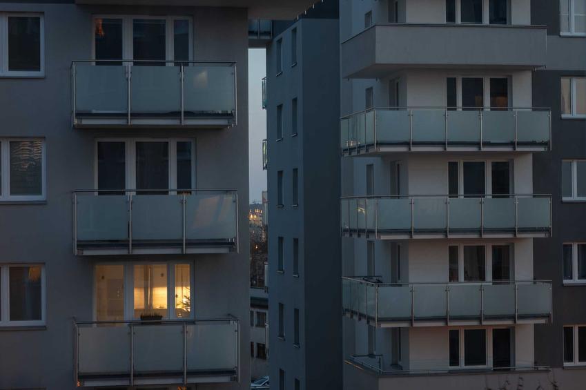 Balkony w bloku wielorodzinnym, a także hydroizolacja balkonu krok po kroku, wskazówki i rodzaje