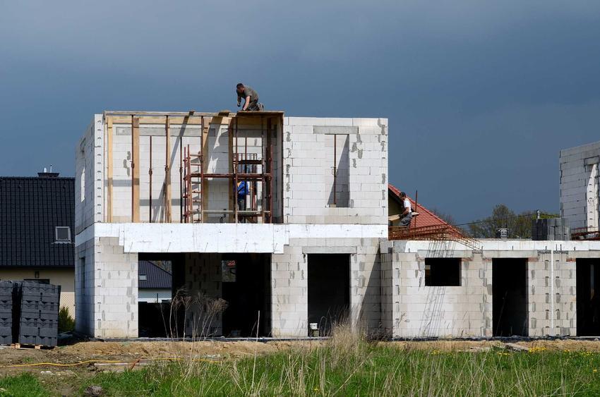 Dom jednorodzinny w czasie budowy, a także obszar oddziaływania obiektu - definicja, konsekwencje, najważniejsze informacje