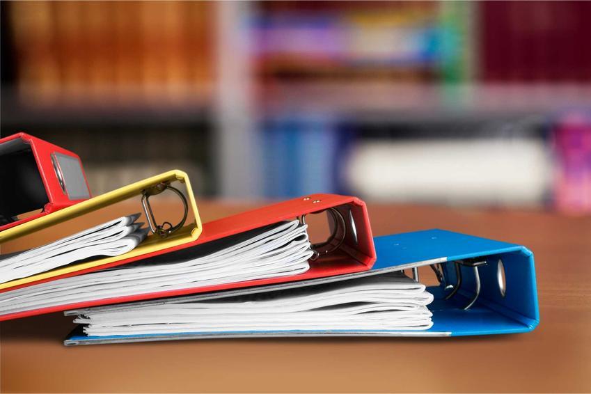 Segregatory z dokumentami firmowymi, a także informacje, jak obliczyć koszty uzyskania przychodu, przepisy i porady